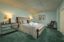 Fried Chicken Suite with King Size Bed and Attached Shared Bath
