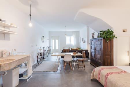 cozy studio with 2 Bikes - Porto