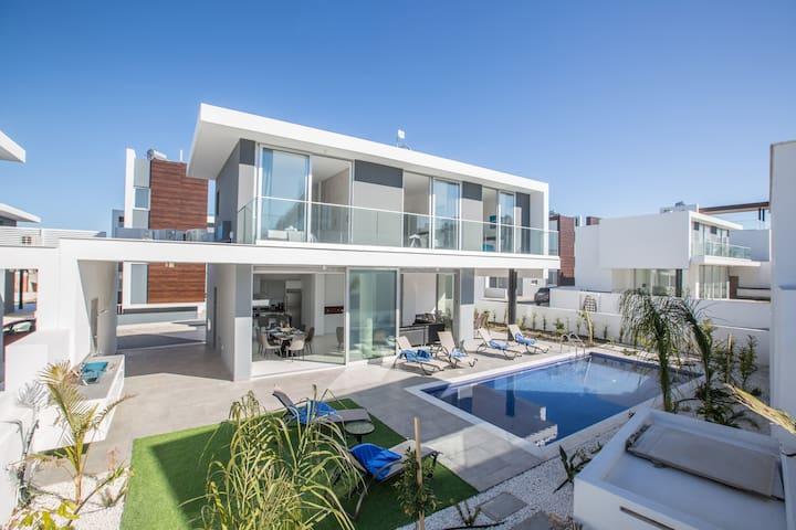 Villa Nina, Amazing, Brand New 3BDR Protaras Villa