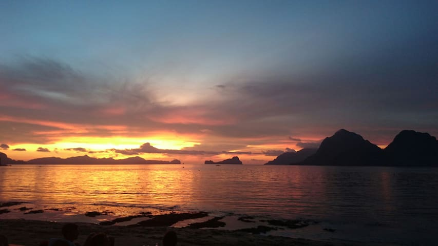 Big House, Ideal Family/Friends. 20meters to beach - El Nido - Ev