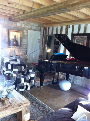 Piano dans salon