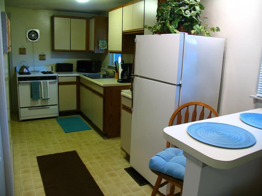 """""""Very clean, the accommodations are incredible."""" reviewed by Zach"""