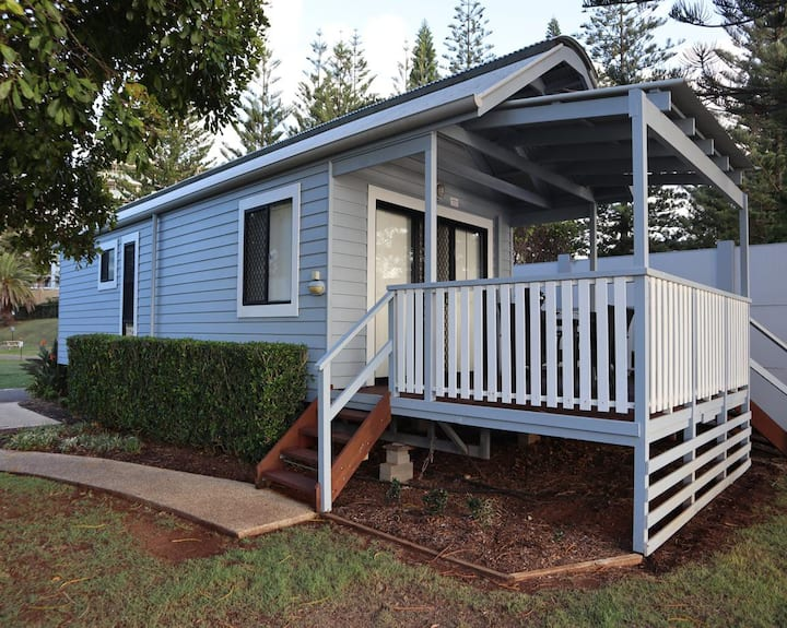 Bayside Cabin- 4 Berth