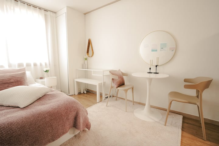 ☆ Sweet New Studio ☆ Best location & Clean