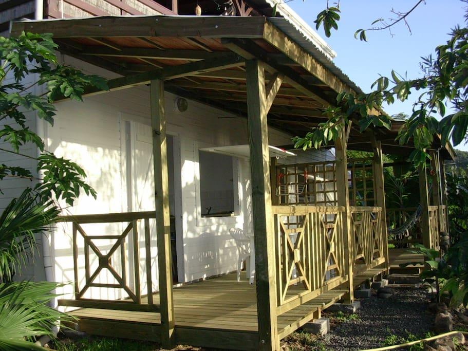 L'entrée et terrasse avant peinture ;)