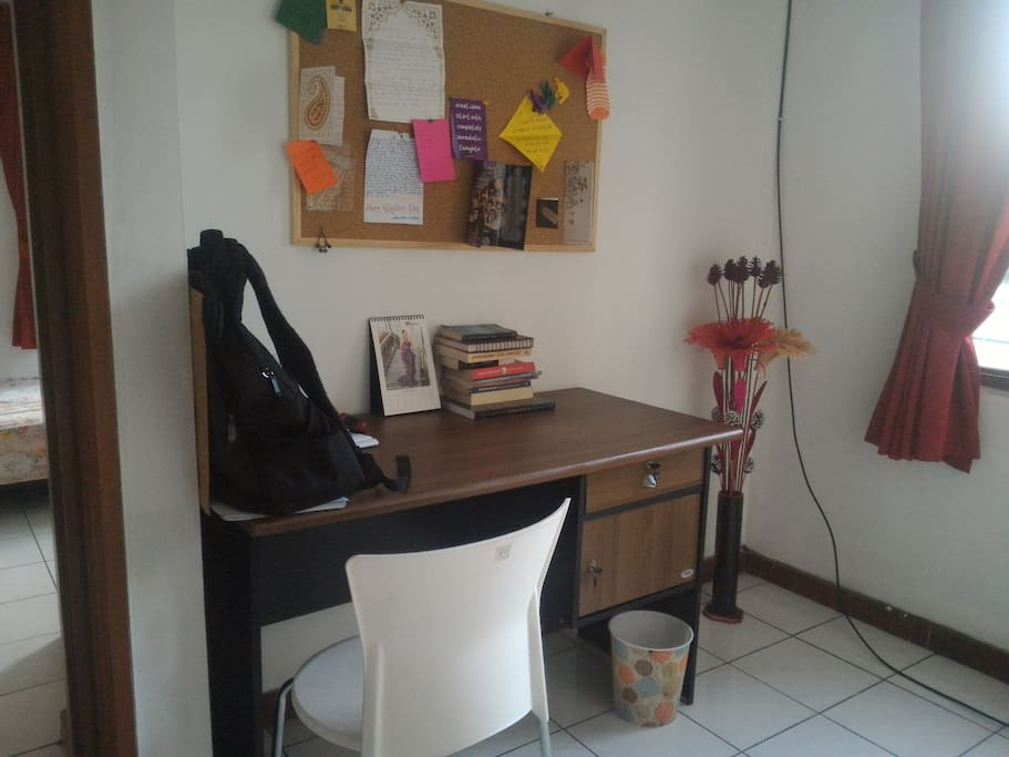 Work Station - Desk (Shared Space)