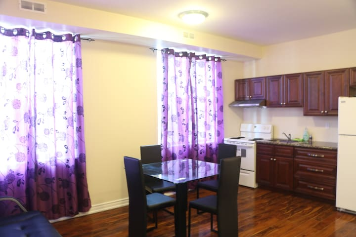 Comfortable unit in Downtown Niagara Falls CANADA
