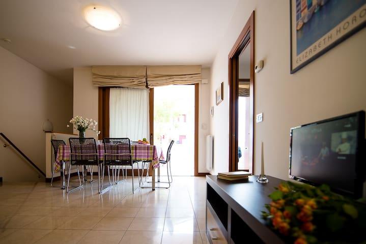 MINI APPARTAMENTO CON GIARDINO C4 - Mogliano Veneto - Apartemen