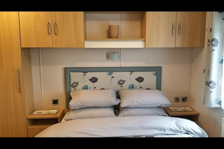 Main bedroom has ensuite toilet and basin