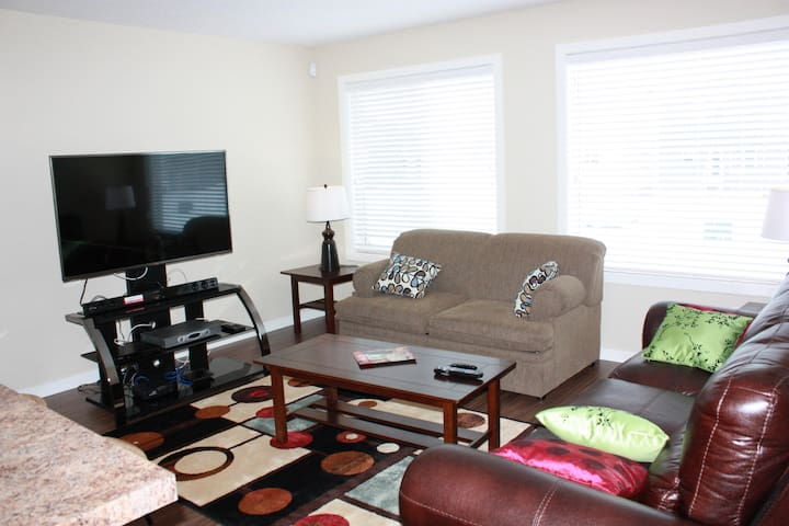 Executive 2BR/2 Bath Open Concept  ,Upper Unit A