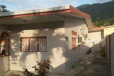 Cozy and Modern apartment in Petit Valley Trinidad - Lägenhet