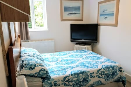Comfort and convenience. A spacious double room.