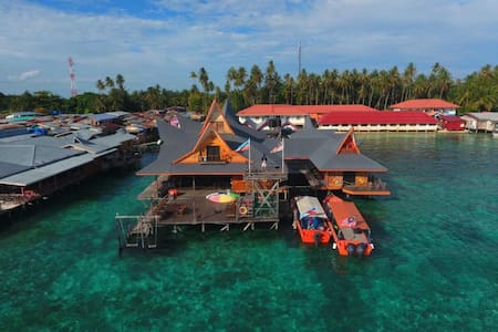 DORM with Share Bathroom, Mabul Paradise Lodge