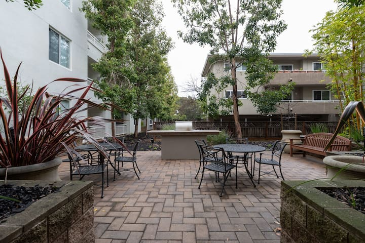 Beautiful 2BR Place in San Mateo