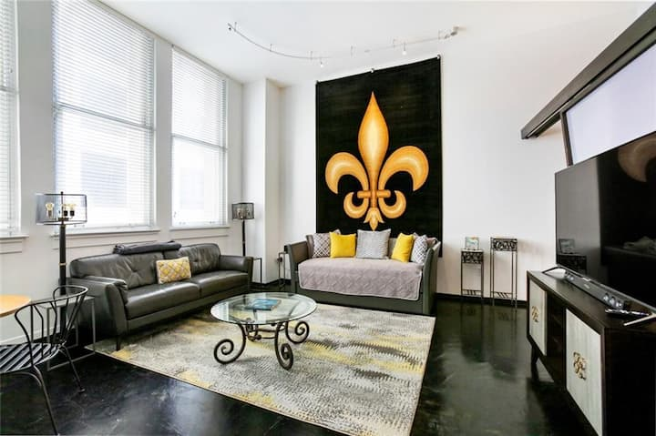 Stunning One Bedroom Loft Steps to French Quarter