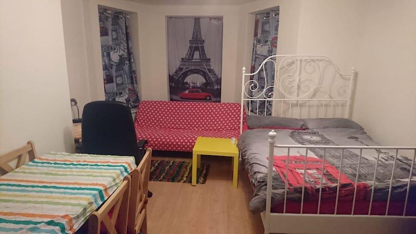 Double Room near to Euston & St Pancras station 1