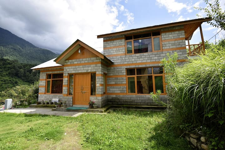 Riverside Cottage Near NH3, Manali-(Best Priced)☑
