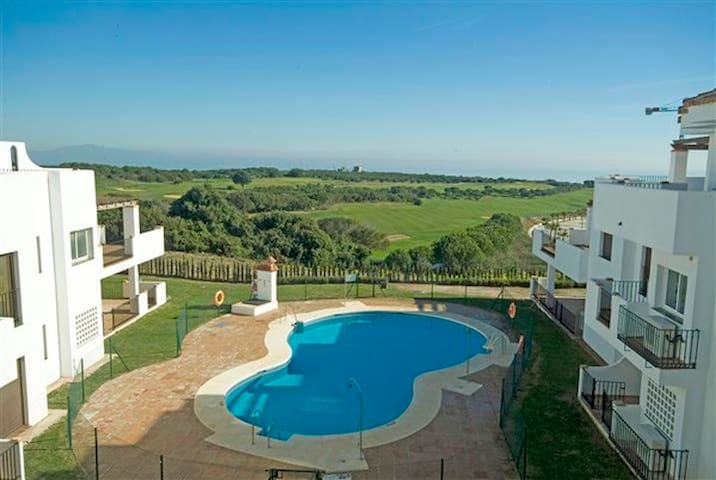 Beautiful 3 bed home on Golf Course - San Roque - House