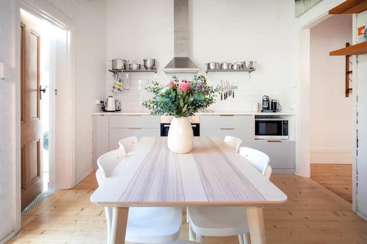 Best 3 bedroom family Prahran Windsor home