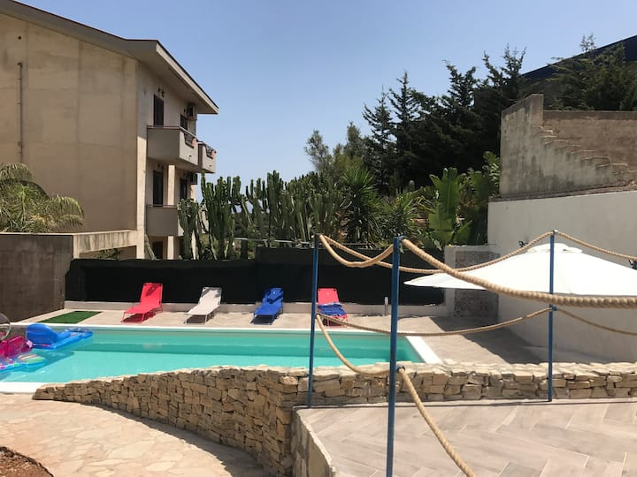 Appartamento in Residence con piscina (La Marina)