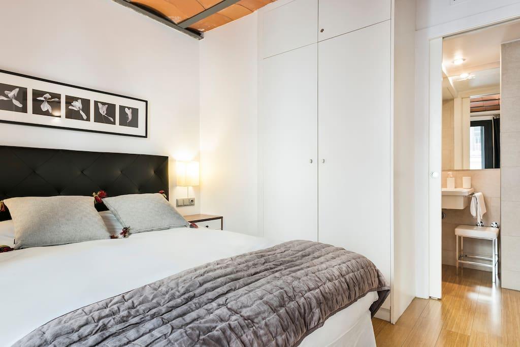 Main bedroom suite 2