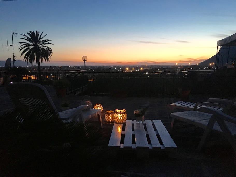 Parte del terrazzo con veduta del tramonto