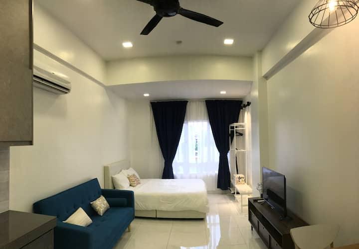 吉隆坡市中心 KLCC 客房住宿, 舒服及超值萌窝 (靠近中国大使馆 - 隔壁) WIFI