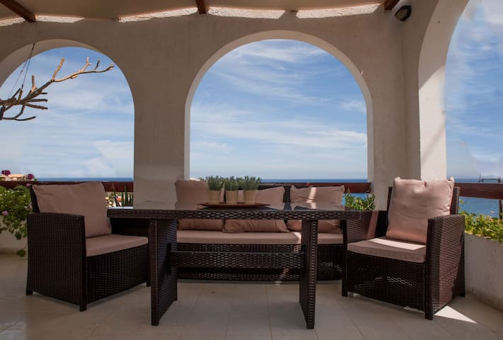 Villa Alma in Crete, Sea View 2min from the beach!