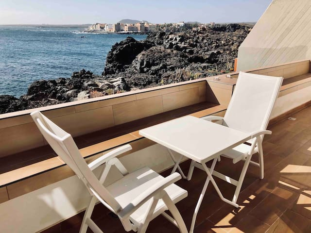 Magnificent 2bed apartment on the ocean coast