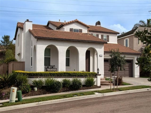 La Costa Oaks, Carlsbad Gorgeous Large Resort Style Home