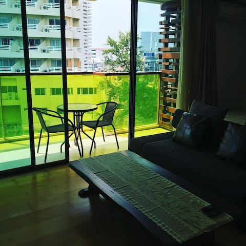 Rocco Huahin 512 condominium