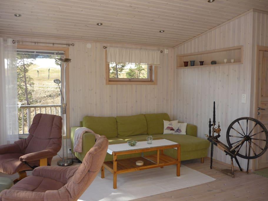 Stua med sofa