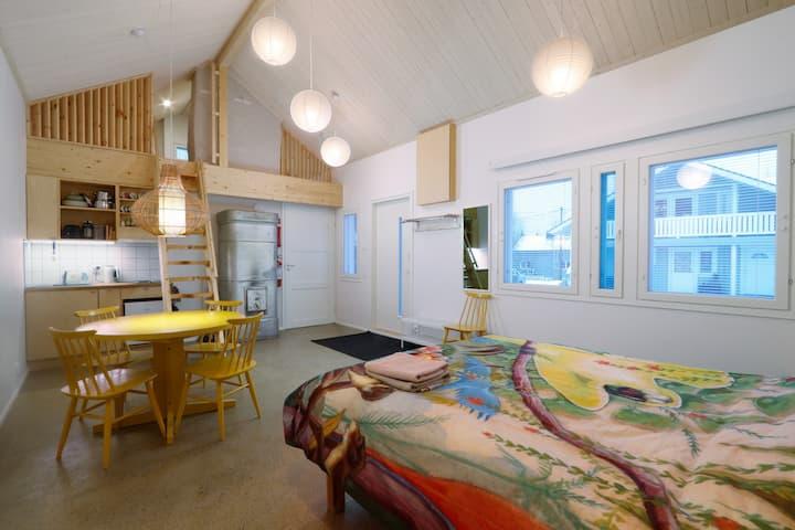 Garden Cottage 29 - Wood Heated Sauna & Parking