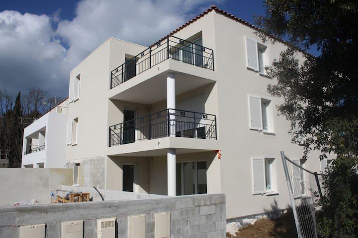 Dans la campagne de l'Etang de Berre,tranquille - Martigues - Apto. en complejo residencial
