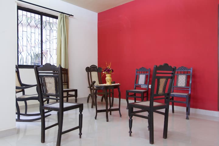 Margao's Large 2 bedrm 2 bthrm Goan apartment.