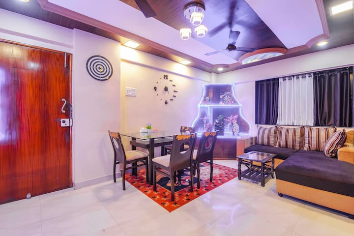 2 BHK A.C Service Apt at link road Malad West