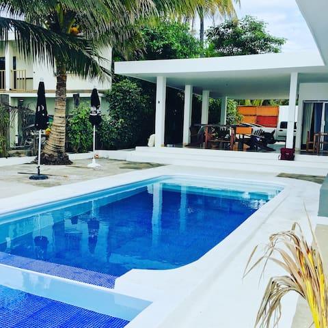 Los Cocos House