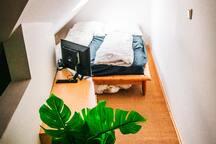 Das Doppelbett oben direkt unter dem Dach, dort ist es sehr, sehr gemütlich, besonders bei Gewitter