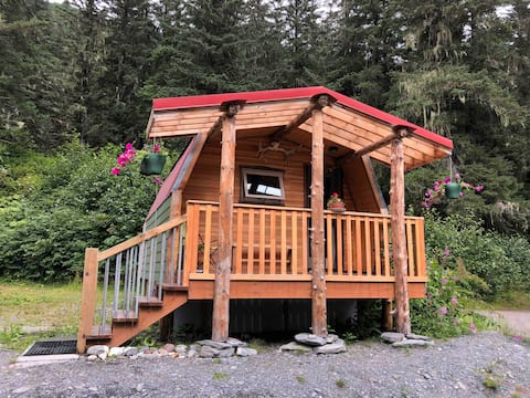 The Shabbin Playhouse at Alpine Woods 10 mile