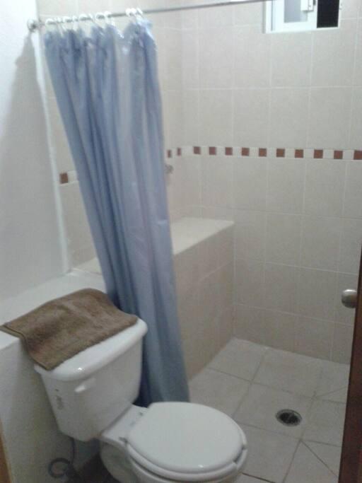 Baño en la habitación