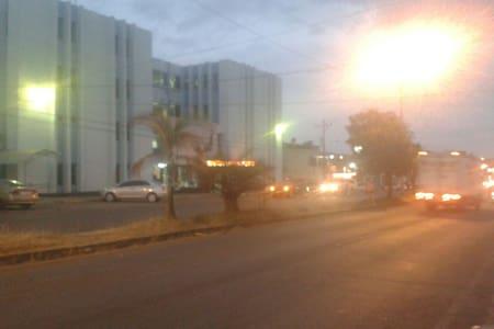 Apartamento amueblados, centricos y seguros con 1 - San Isidro de El General - Apartment