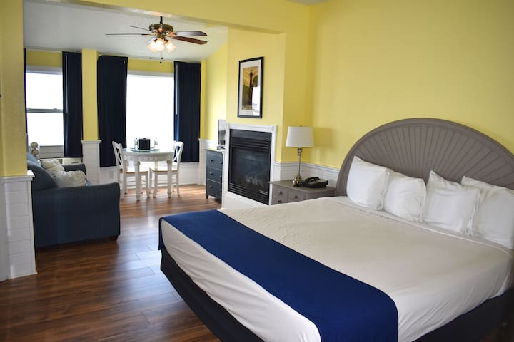 Inn at Corolla Light Sound Front King Room 23