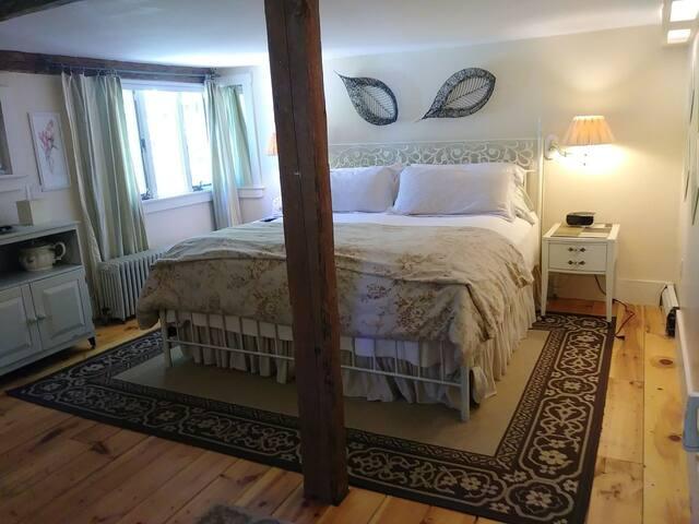 Sage Suite-king-size bed.