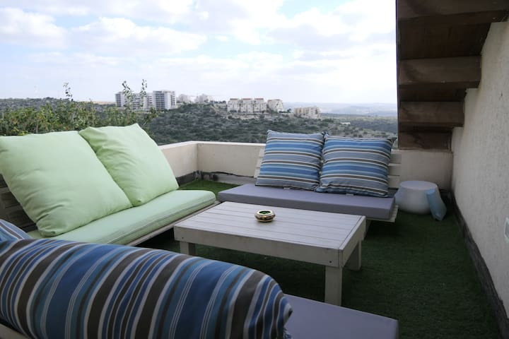 A Lovely Apartment Floor Near Kfar Saba