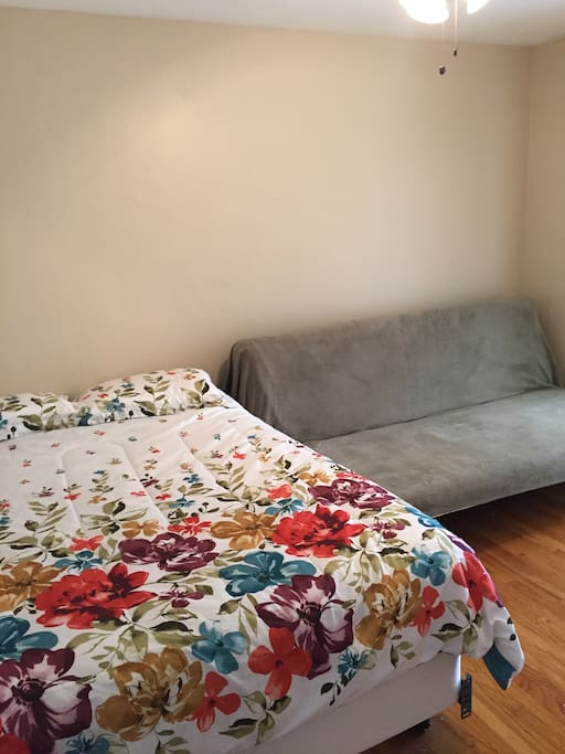 Queen bed and full size futon that turns into a bed.