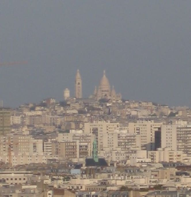Sacre-Coeur/Montmatre, View from Living room/Kitchen