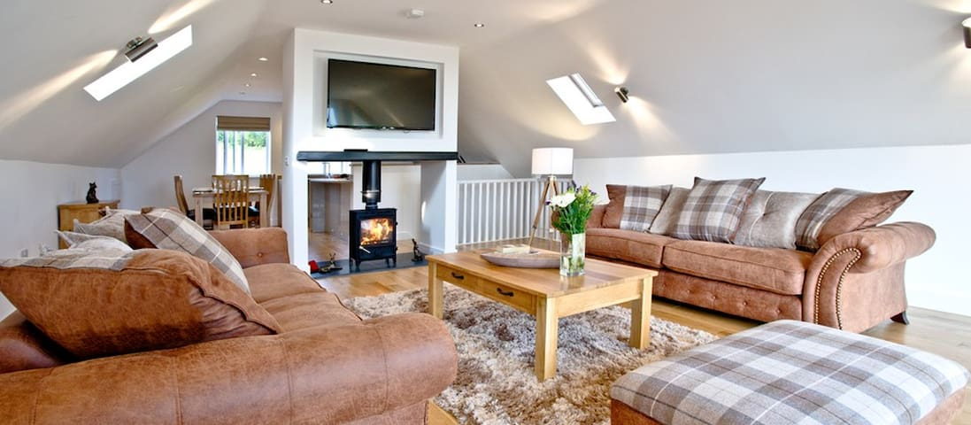 Glastonbury  5* Luxury 4 bed+Hot Tub + Transport - Somerset - Huis