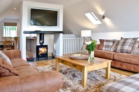 Glastonbury  5* Luxury 4 bed+Hot Tub + Transport - Somerset - Дом