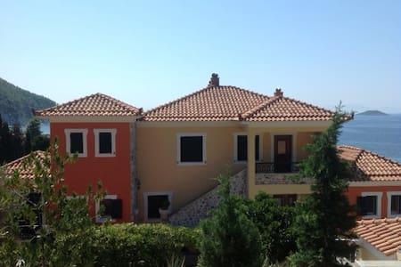 Skopelos seaview penthouse - GR - Apartament
