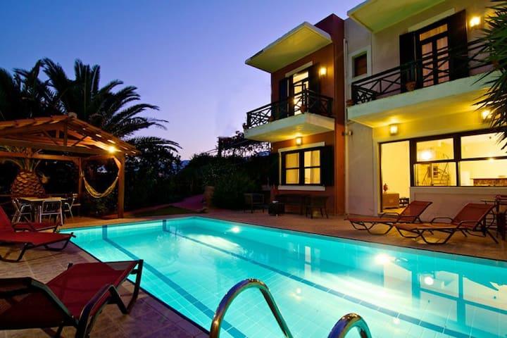 Avra villa with an amazing pool with sea view - Episkopi, Rethymno